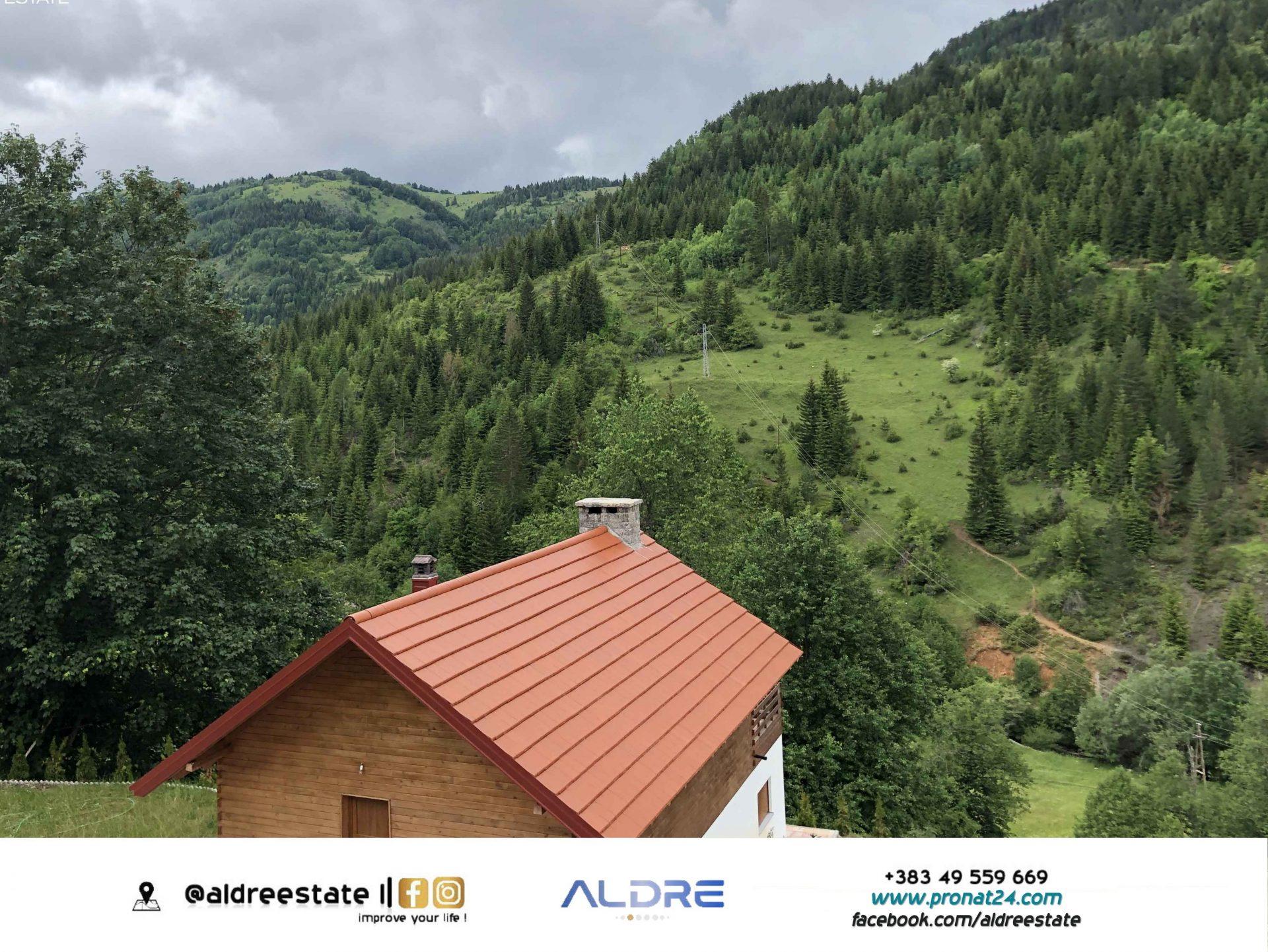 Ofrohet për shitje 1 hektar tokë në Haxhaj, Rugovë