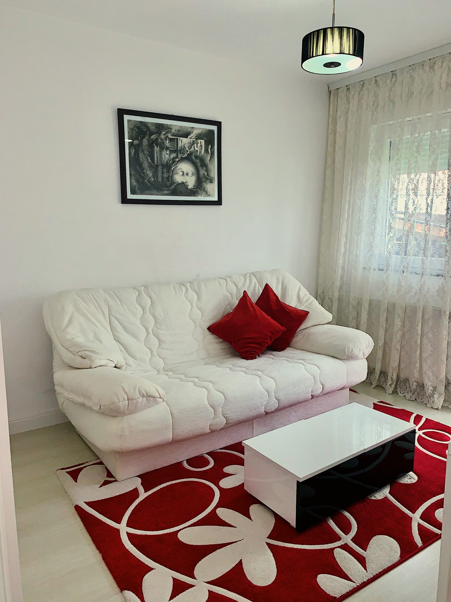 Dhoma Mysafirve1